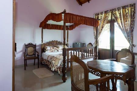 Resort Bungalow at Bird & Horse farm-18km Colombo.