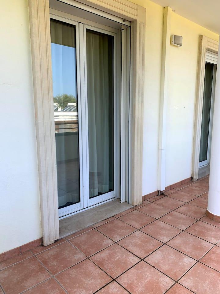 Appartamento con Balcone Residence Giardini Atena