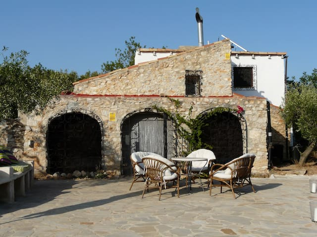 Rustic house with complete privacy. - Tortosa - Huis