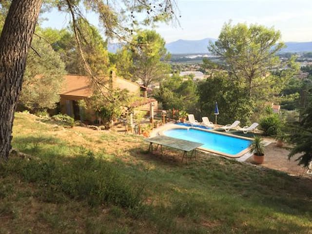 Villa with wonderful city view - Le Cannet-des-Maures - Vila