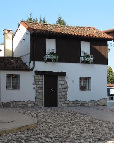 Domus Parva Pax Magna - Spilimbergo - House