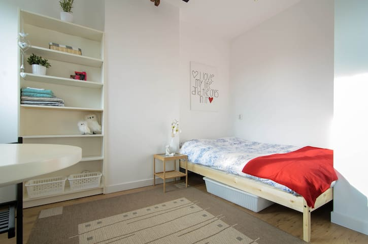 Renovated studio with everything you need