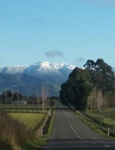 Martinborough and scenery from Carterton retreat - House