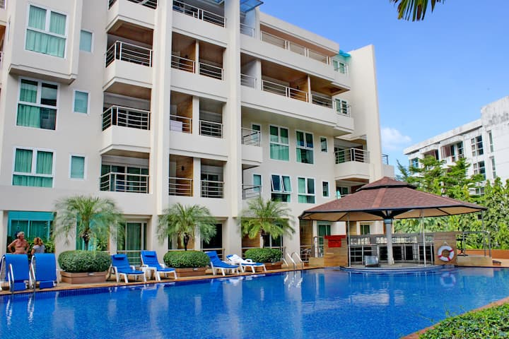 Family friendly Patong Beach Apartment A402