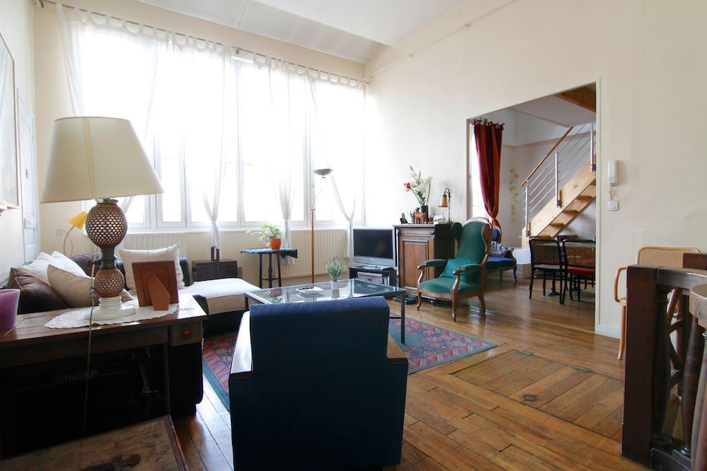 Loft atelier d 39 artiste 3 chambres lofts louer paris for Loft atelier a louer