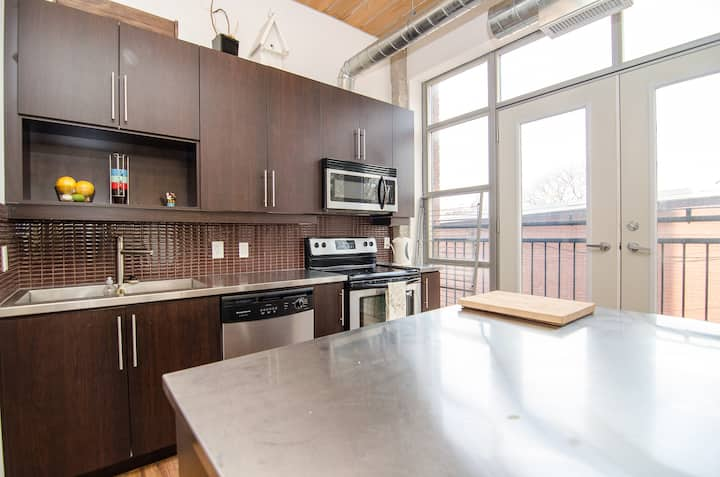T.O West End / Beautiful Loft in High Park