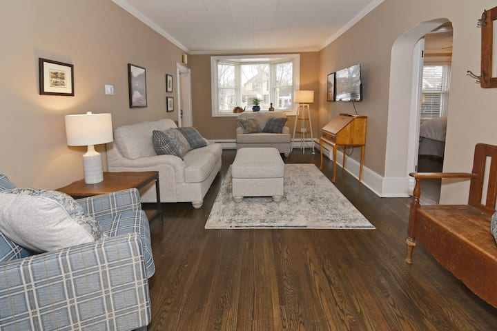 Executive Suite in the Heart of Downtown London