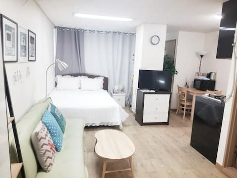 Junny house2 :) 3 minutes walk from Seoul Station