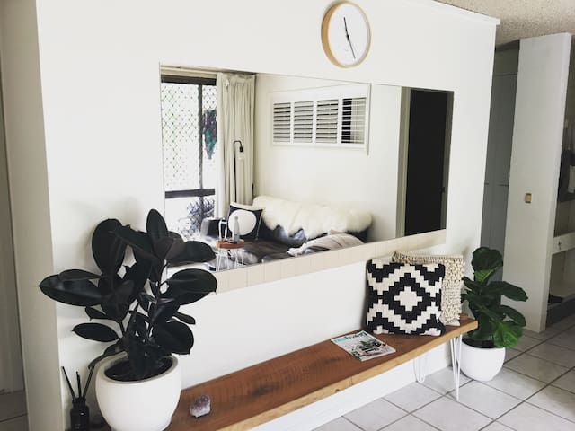 Coolum Beachside Apartment