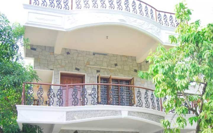 Chilled spacious room in the heart of Fort Kochi