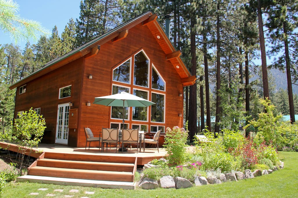 Gorgeous tahoe cabin private beach cabins for rent in for Rent a cabin in lake tahoe ca