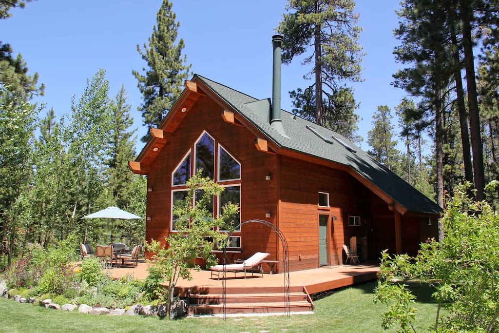 Gorgeous tahoe cabin private beach cottages for rent in for Rent a cabin in lake tahoe ca
