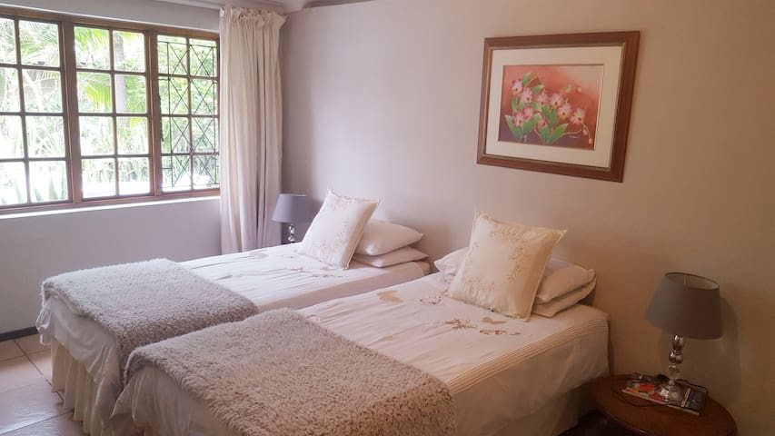 Large Musgrave Cottage -sleeps up to 3