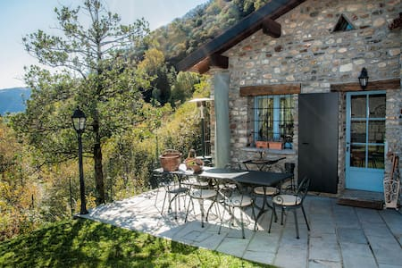 LUGANO LAKE - il pungi topo -cottage with garden -