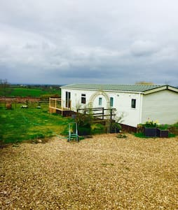 Stunning views -  2 x dbl bed home - Chipping Sodbury - Andre