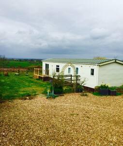 Stunning views -  2 x dbl bed home - Chipping Sodbury - Inny