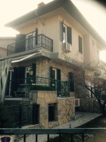 Dublex villa in Kuşadası merkezde - Kuşadası - บ้าน