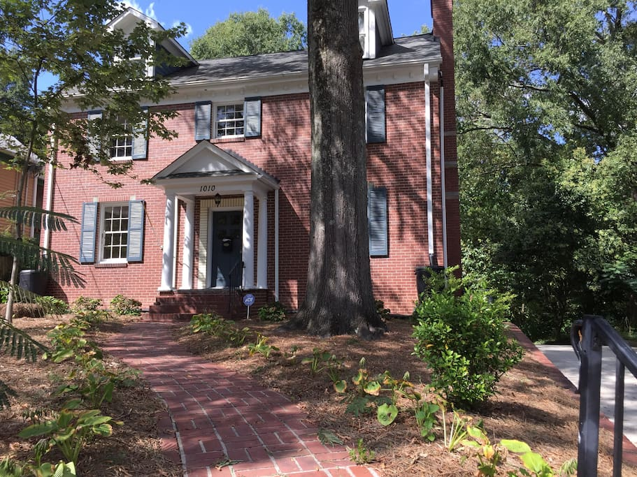 Efficient apartment in the basement of a family home in great neighborhood near Duke and downtown Durham