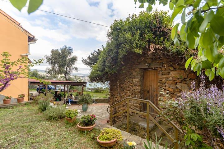 IL RUSTICHETTO - vista mozzafiato - เจนัว - บ้าน