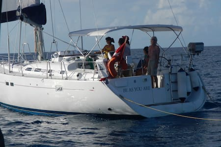 SAIL THE CARIBBEAN. Crewed Charters