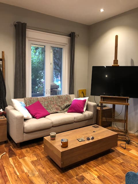 Cozy place in heart of leslieville