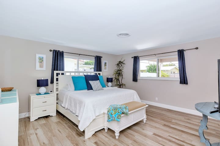 Master Bedroom with King Size Bed, Large Walk-In Closet and Connecting Master Bath