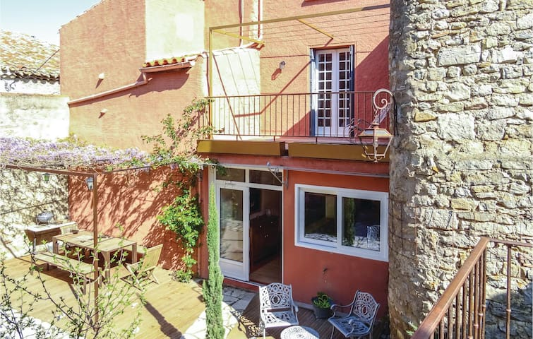 Semi-Detached with 4 bedrooms on 140 m² in Lagrasse