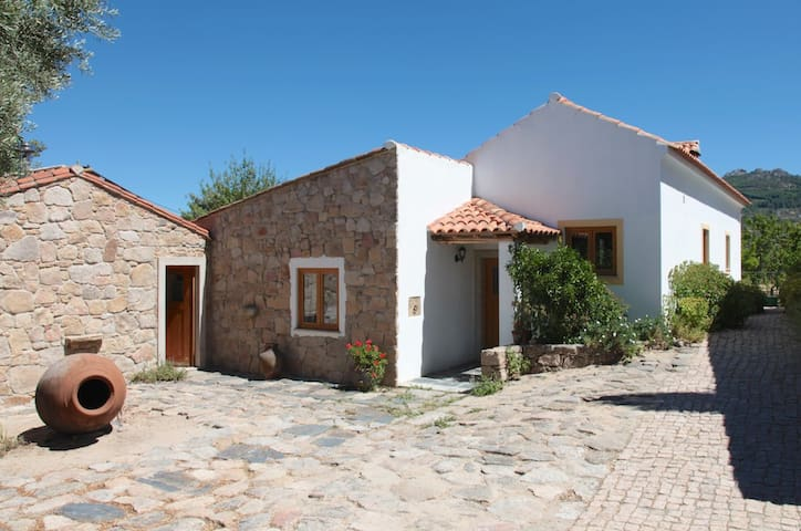 Montinho luxurious farm cottage - Marvão - Ev
