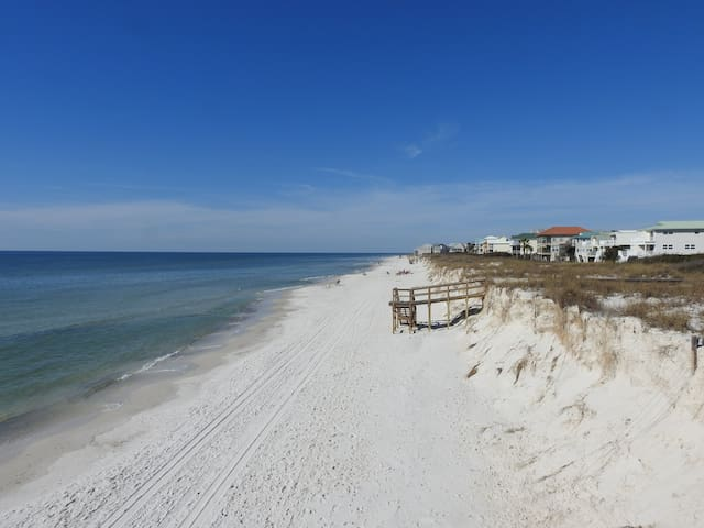 Looking north, up the beach.