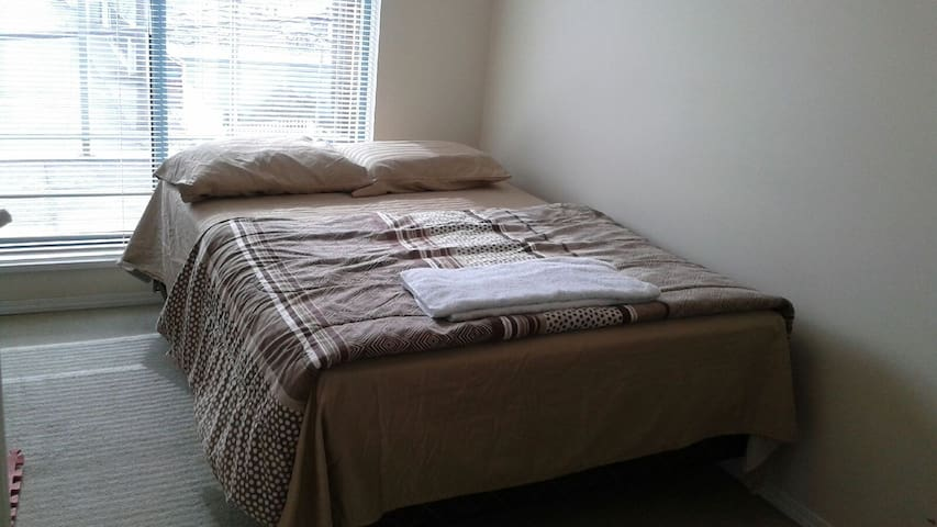 Private Room with Double Bed, Vancouver