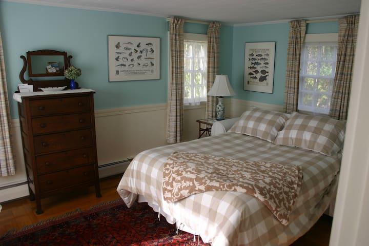 Garden Retreat  at Newport - Middletown - Rumah