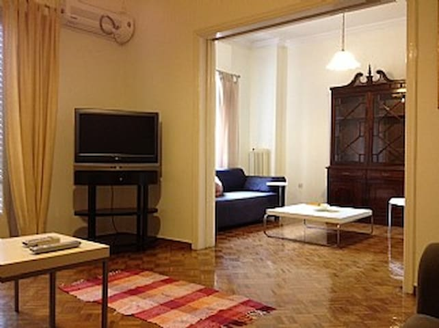 Piraeus apt. 145 Sq.M. for 6-offer* - Piraeus - Apartment
