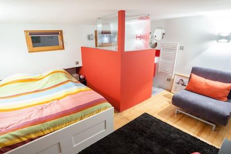 Houseboat : Bargeman room - Lyon