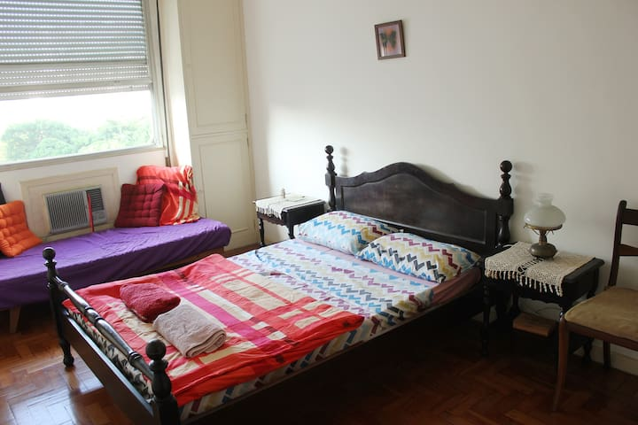 Comfortable, classic room in Laranjeiras - Rio de Janeiro - Flat