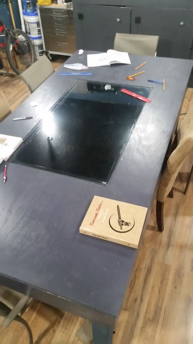 The game table allows for virtual maps.