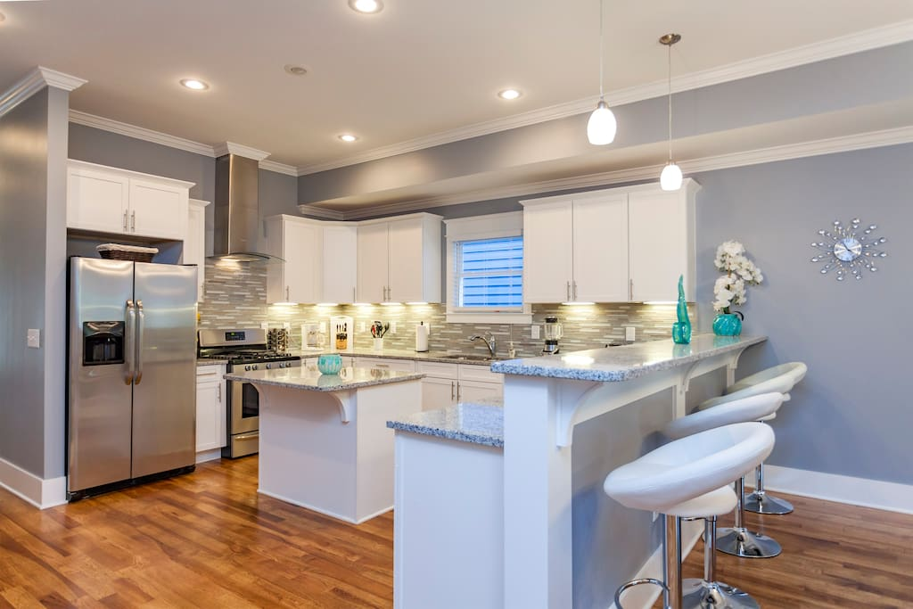 Wonderful Large Kitchen with Island for Entertaining your friends