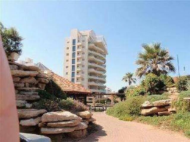 Beautiful bldg best location - Netanya - Apartment
