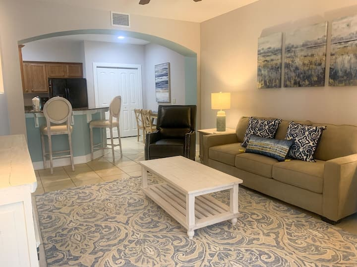 Resort Condo Updated Sleeps 5 Minutes to Beach