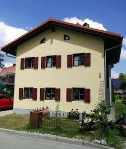 Haus im Voralpenland mit Garten - Landsberg am Lech - Dom