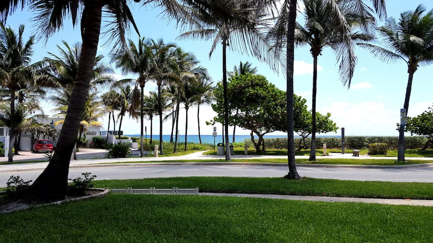 Direct Oceanfront - Postcard View - Steps to Beach - Deerfield Beach - Villa
