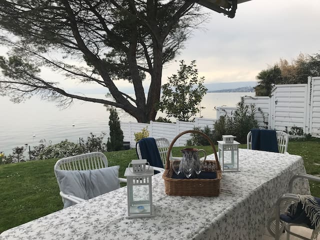 The outdoor terrace has a seating area protected from the wind from which you can enjoy stunning sunsets. Weber Barbecue available