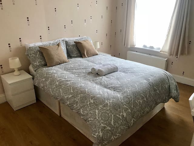 Bright double room in Tooting