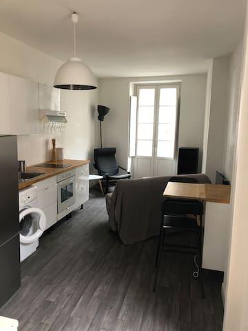 Duplex dans le cœur historique de Bordeaux.