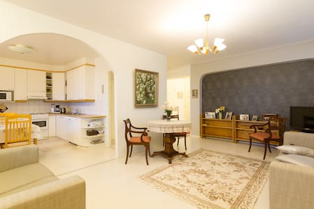 Room for 2 in a cosy city center apartment