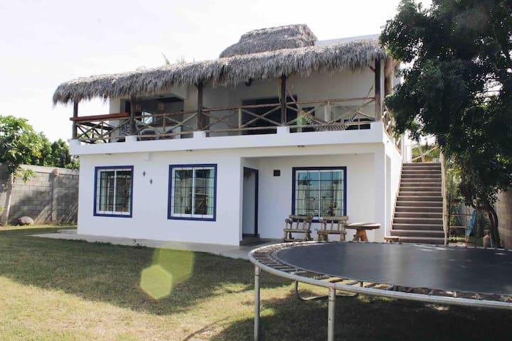 """Unidad A. Casa  """"EL PARAÍSO"""" en Barras de Piaxtla"""