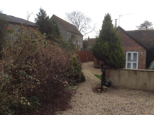Beautiful Mill Cottage - Shaftesbury - House