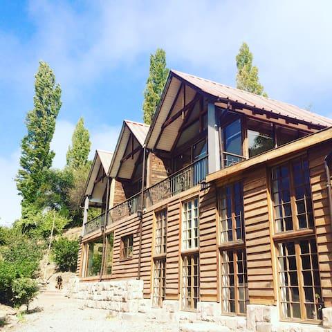 Hotel Boutique Vía Aconcagua Lodge(Hab. Mandarino)
