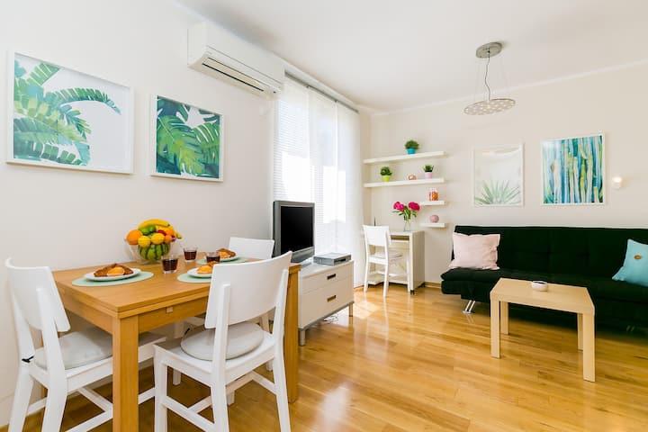 Bright & Sweet Apartment in Poreč