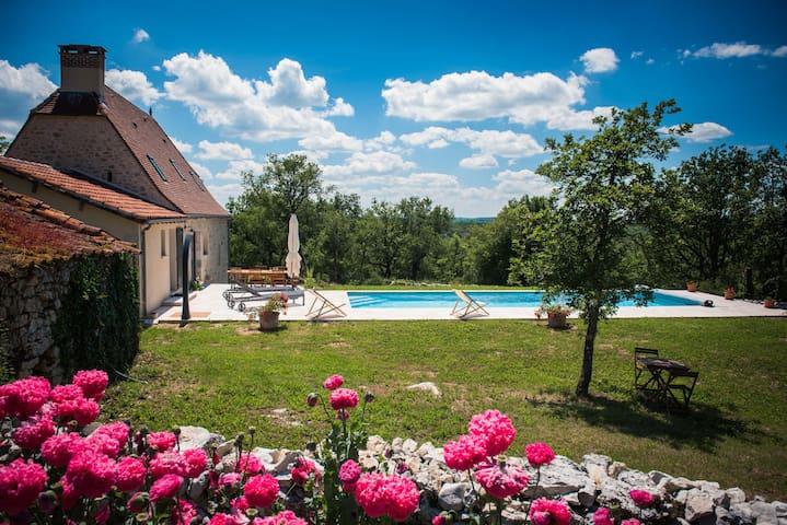 Location Gîte Piscine chauffée: 1er mai 31 octobre - Lentillac-du-Causse - Haus