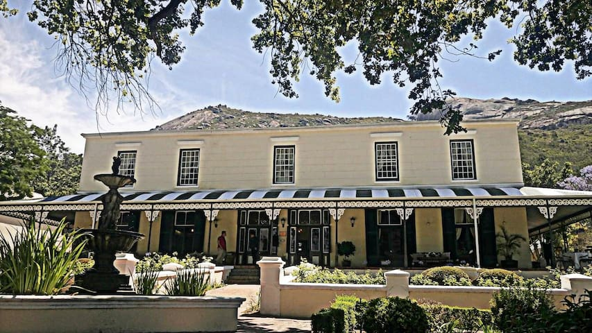Pontac Manor - Paarl - Bed & Breakfast